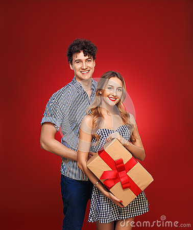 Free Portrait Of A Boy And A Girl With A Gift In A Pin Up Style, Isol Stock Photos - 67663273