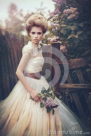 Free Portrait Of A Bride In A White Dress With Flowers In Retro Style. Royalty Free Stock Images - 89577929