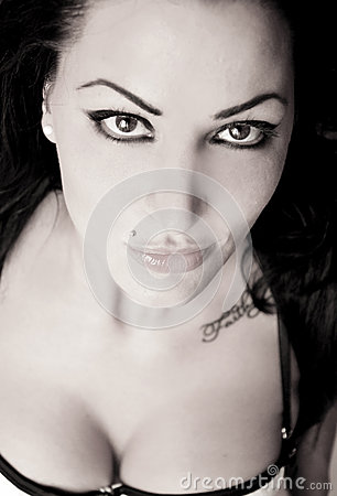 Free Portrait Of A Woman Royalty Free Stock Images - 43513079