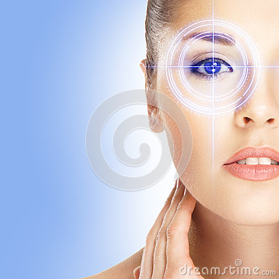 Free Portrait Of A Woman With A Laser On Her Eye Royalty Free Stock Images - 38382779