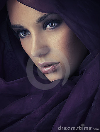 Free Portrait Of A Young Beauty Royalty Free Stock Images - 14228129
