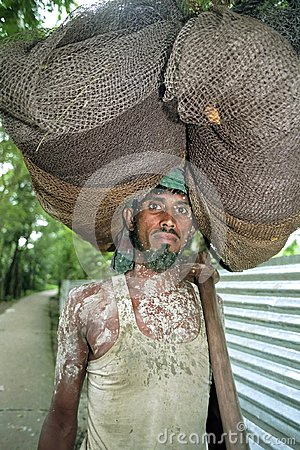 Free Portrait Of Bangladeshi Fisherman Lugging Fishnet Stock Image - 108943261