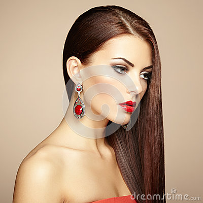 Free Portrait Of Beautiful Brunette Woman With Earring. Perfect Makeu Stock Photos - 33217633
