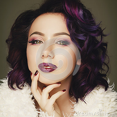 Free Portrait Of Beautiful Fashion Model With Purple Hair Over G Royalty Free Stock Photo - 98629195