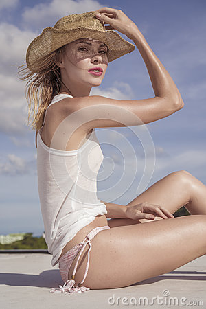 Free Portrait Of Beautiful Woman With Straw Hat On A Sunny Day Royalty Free Stock Photo - 74700065