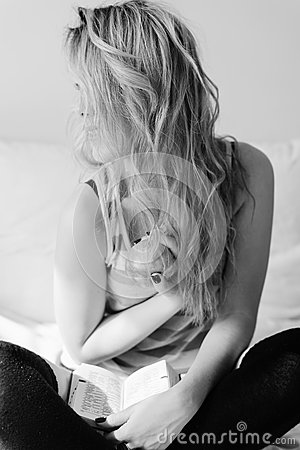 Free Portrait Of Blonde Girl Having Fun Happy Royalty Free Stock Image - 58948146