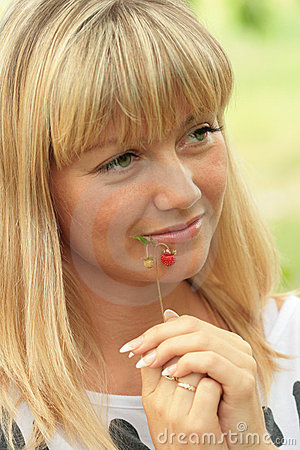 Free Portrait Of The Blonde With A Sad Smile Stock Photography - 14850232
