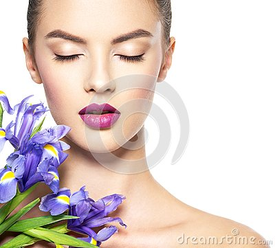 Free Portrait Of Young Beautiful Woman With A Healthy Clean Skin Of T Royalty Free Stock Images - 133479389