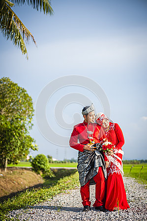 Portraiture of just married couple