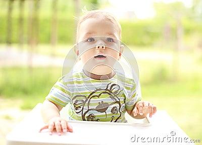 Portret van een leuk kind
