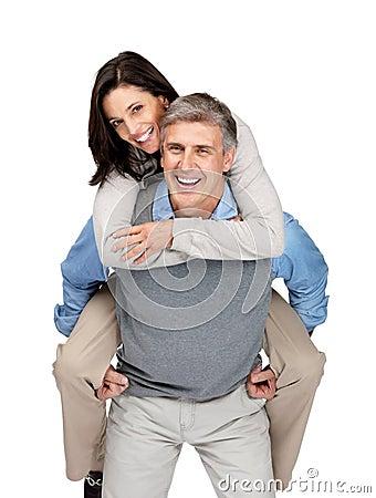 Portret van het blije rijpe paar enjoiying