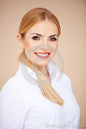 Porträt von einem blonden