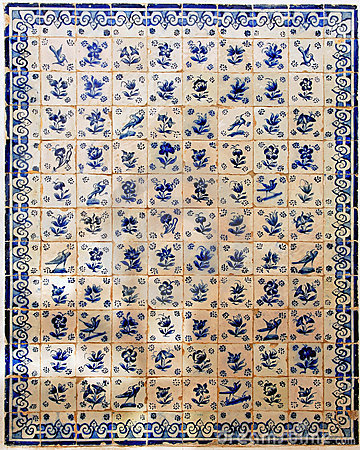 Free Portugal Obidos; Decoration On A Wall, Azulejos Royalty Free Stock Image - 5879206