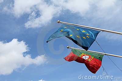 Portugese and EU flags