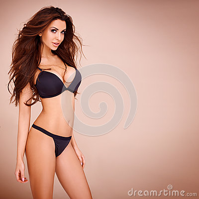 Free Pose Of A Dark Haired Woman Stock Images - 31171434