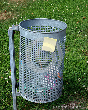 Post-it and garbage