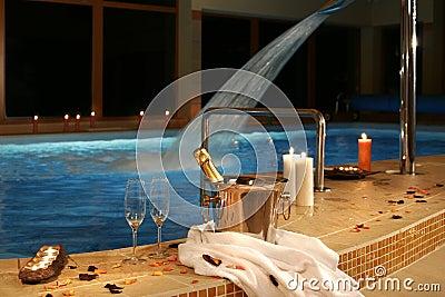 Posto romantico alla piscina fotografia stock immagine 7380030 - Business plan piscina ...