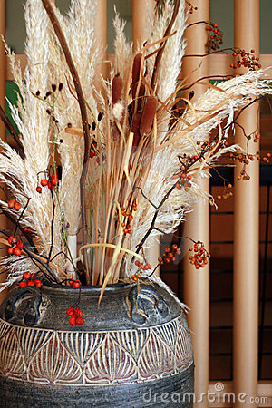 Free Pot Of Dried Plants Royalty Free Stock Photo - 1425565