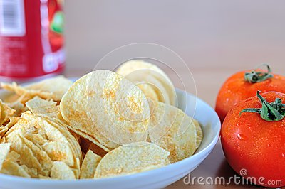 Potato chips and tomato
