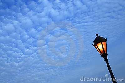 Poteau de lampe