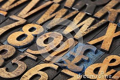 Pound symbol in wood type