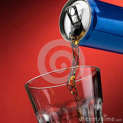 Free Pouring A Soft Drink In A Glass Stock Photos - 102155983