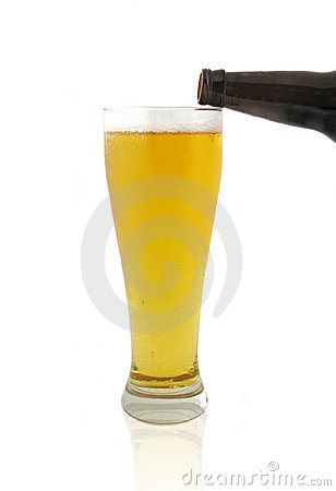 Free Pouring Beer Stock Image - 675761