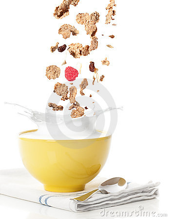 Free Pouring Breakfast Cereal Stock Photo - 16049760