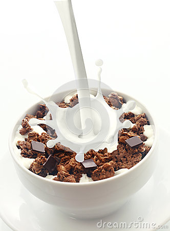 Free Pouring Milk Into Choc Chip Breakfast Cereal Royalty Free Stock Photo - 44571475