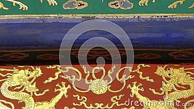 Poutres découpées peintes magnifiques de faisceau Architecture antique de la Chine Pékin banque de vidéos