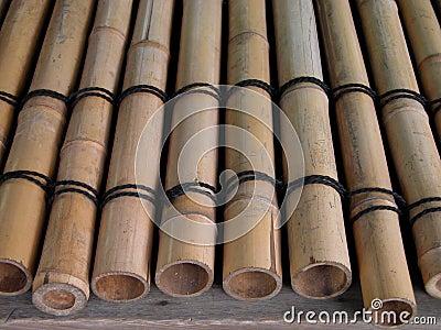 Poutres en bambou