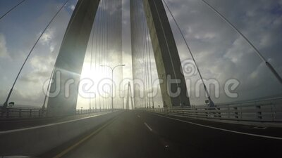 POV från den tredje bron över Panamakanalen, den så kallade Atlantic Bridge, är en vägbro i Colón, Panama stock video