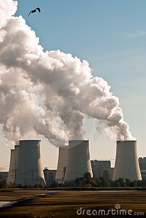 Free Power Plant Cooling Towers Upright V2 Royalty Free Stock Photos - 16769368