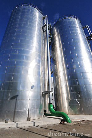 Free Power Plant Water Storage Tanks Royalty Free Stock Images - 18245569