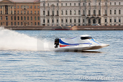 Powerboat on championship