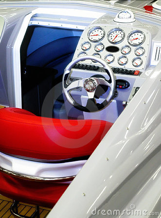 Free Powerboat Controls Stock Image - 1870161