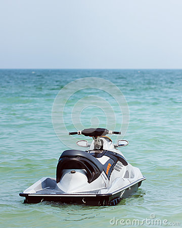 Free Powerful Jet Ski Floating On Water Stock Photography - 37198292
