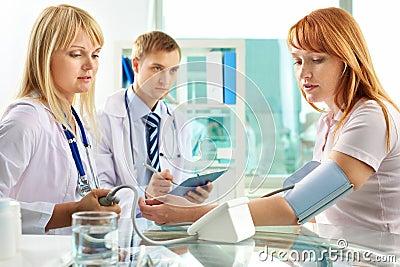 Prüfung des Blutdruckes