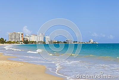 Praia bonita em San Juan