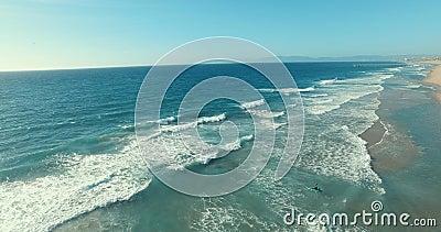 Praia e canoa vídeos de arquivo