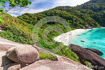 Praia idílico de ilhas de Similan