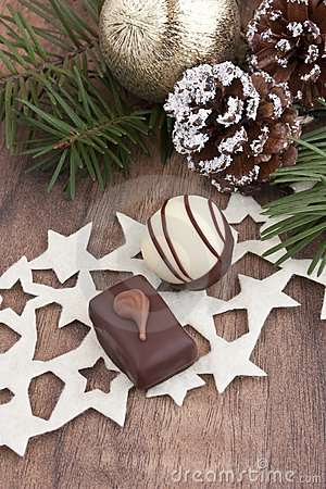 Free Pralines With Pine And Cones Royalty Free Stock Image - 22068176