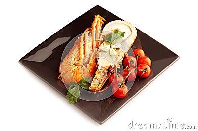 Prato com lagosta cortada