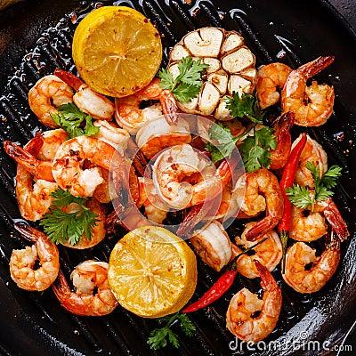 Free Prawns Shrimps Roasted On Frying Pan Close Up Stock Image - 76891191
