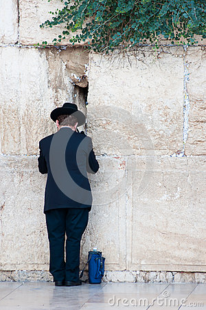 Praying jew in Jerusalem Editorial Stock Image