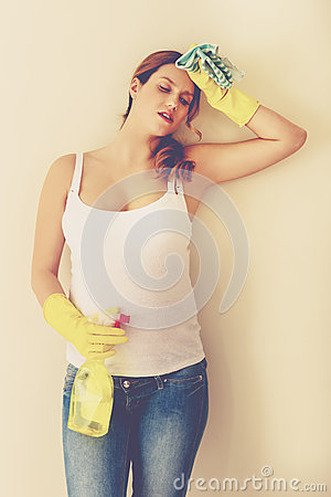 Free Pregnant Woman Cleaning At Home Stock Images - 92451234