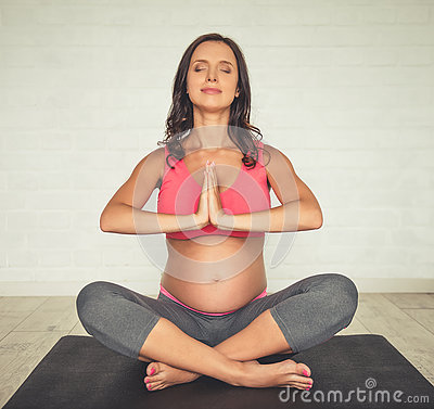 Doing Yoga While Pregnant 23