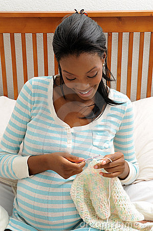 Free Pregnant Woman Knitting Royalty Free Stock Photos - 11644558