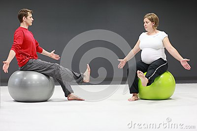 Pregnant woman + personal trainer
