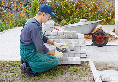 Preparation for a paving